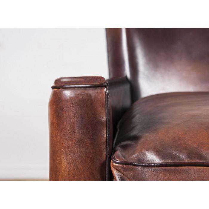 canap club cuir le lounge canap cuir club art d co. Black Bedroom Furniture Sets. Home Design Ideas
